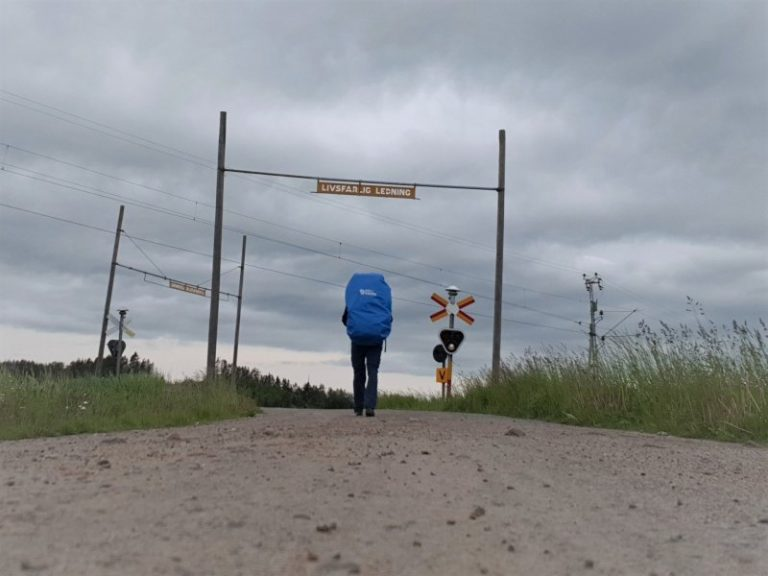 Wandern+Bahnübergang+gezoomt_800web